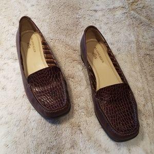 AK Anne Klein iflex Brown Alligator Skin Loafers